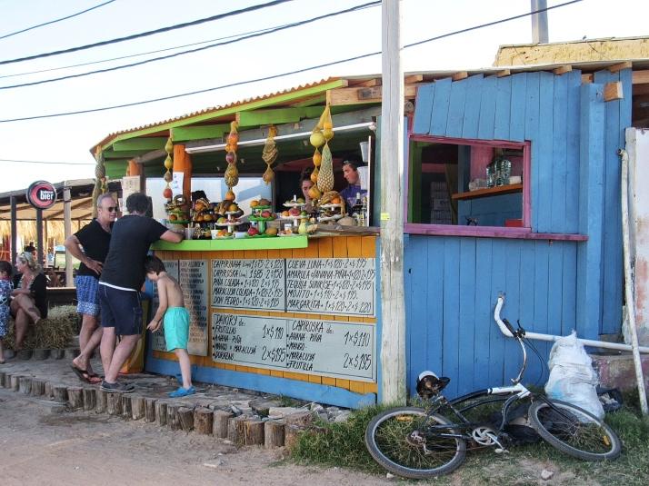 Fruit bar Punta del Diablo