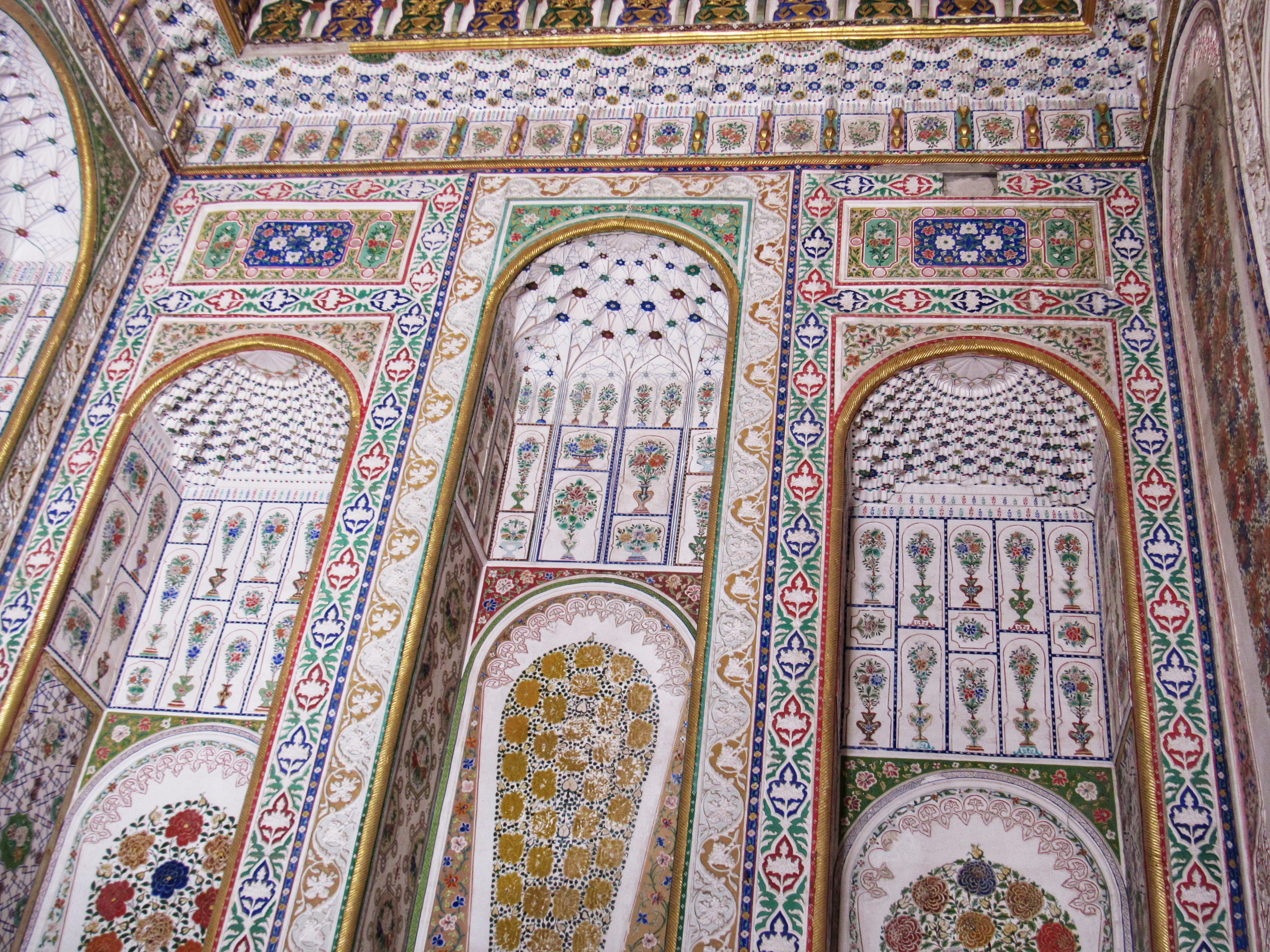Elaborately patterned summer walls in the Sitorai Mokhi-Khosa